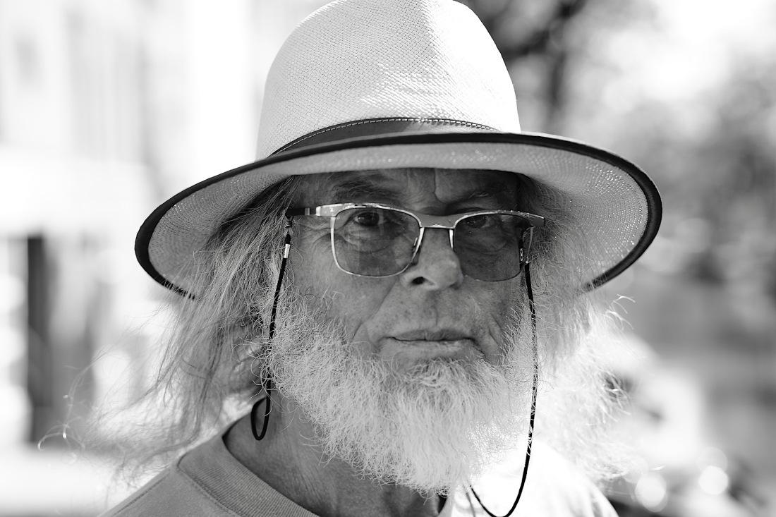 portret-m-hoed-bril-baard - 1 kopie