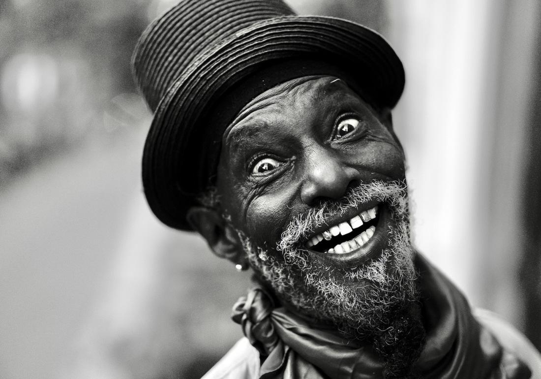 portret-m-bl-hoed-ogen - 1 kopie